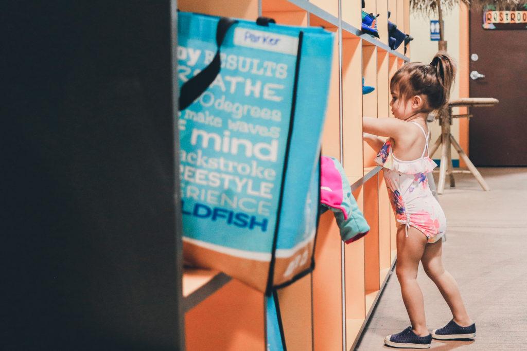 Goldfish-Swim-School